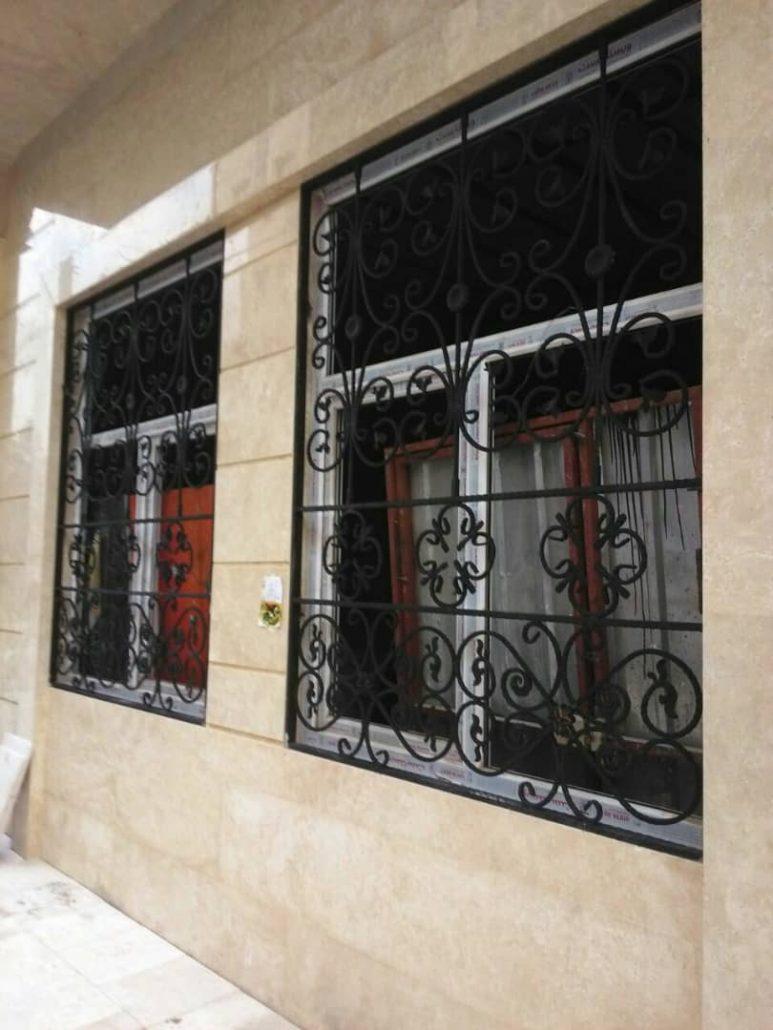 حفاظ پنجره فرفورژه لوکس