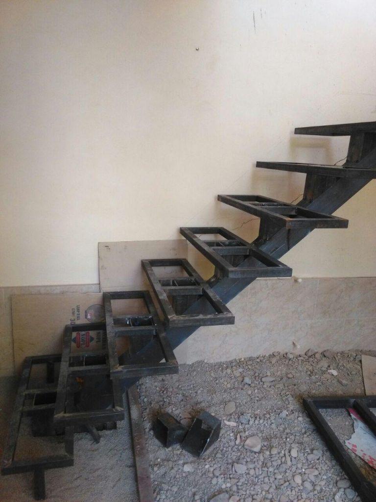 پله آهنی